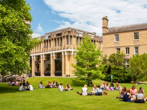 Top Schools in the UK for Performing Arts
